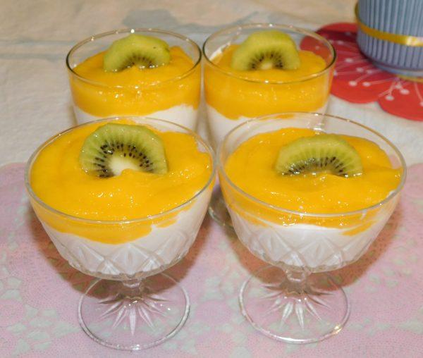 fromage blanc au coulis de mangue